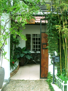 HOUSE FOR RENT IN THAO DIEN AREA