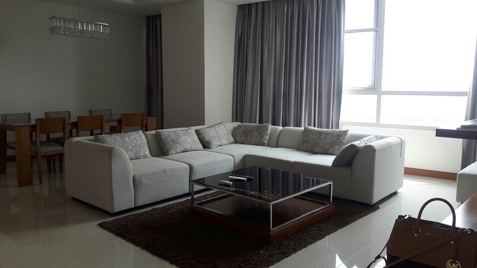BEAUTIFUL THREE BEDROOM APARTMENT FOR RENT AT XI RIVERVIEW PALACE