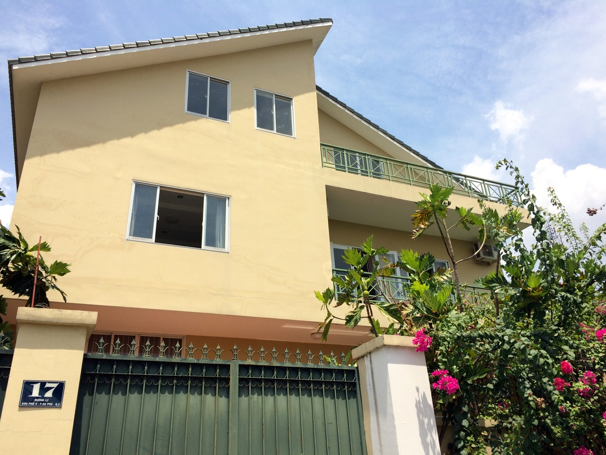 A HUGE VILLA FOR RENT IN AN PHU WARD, DISTRICT 2.