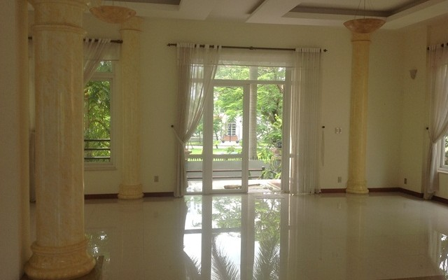 A NICE VILLA FOR RENT IN KIM SON COMPOUND