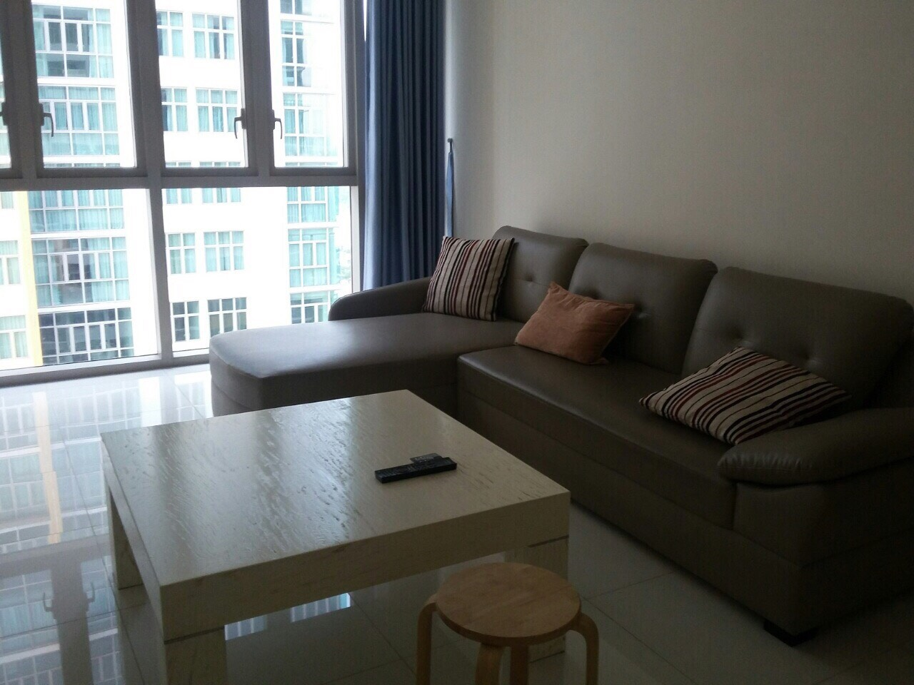 BEAUTIFUL 02 BEDROOMS APARTMENT FOR RENT AT THE VISTA AN PHU.