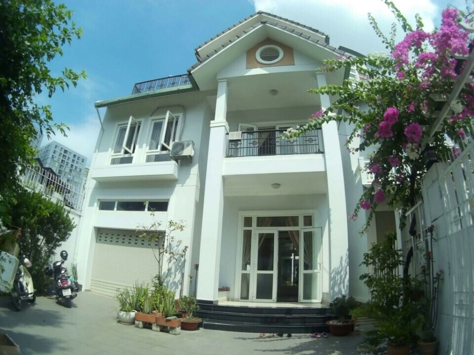 VILLA COMPOUND FOR RENT, THAO DIEN DISTRICT 2