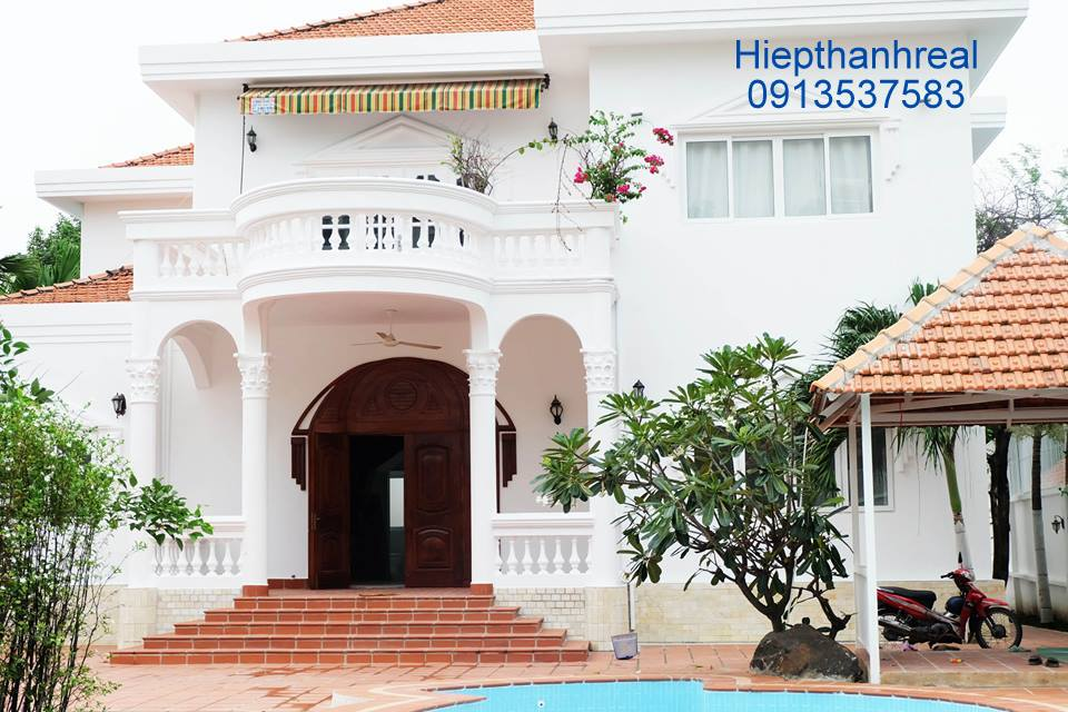 NICE VILLA COMPOUND FOR RENT AT THAO DIEN