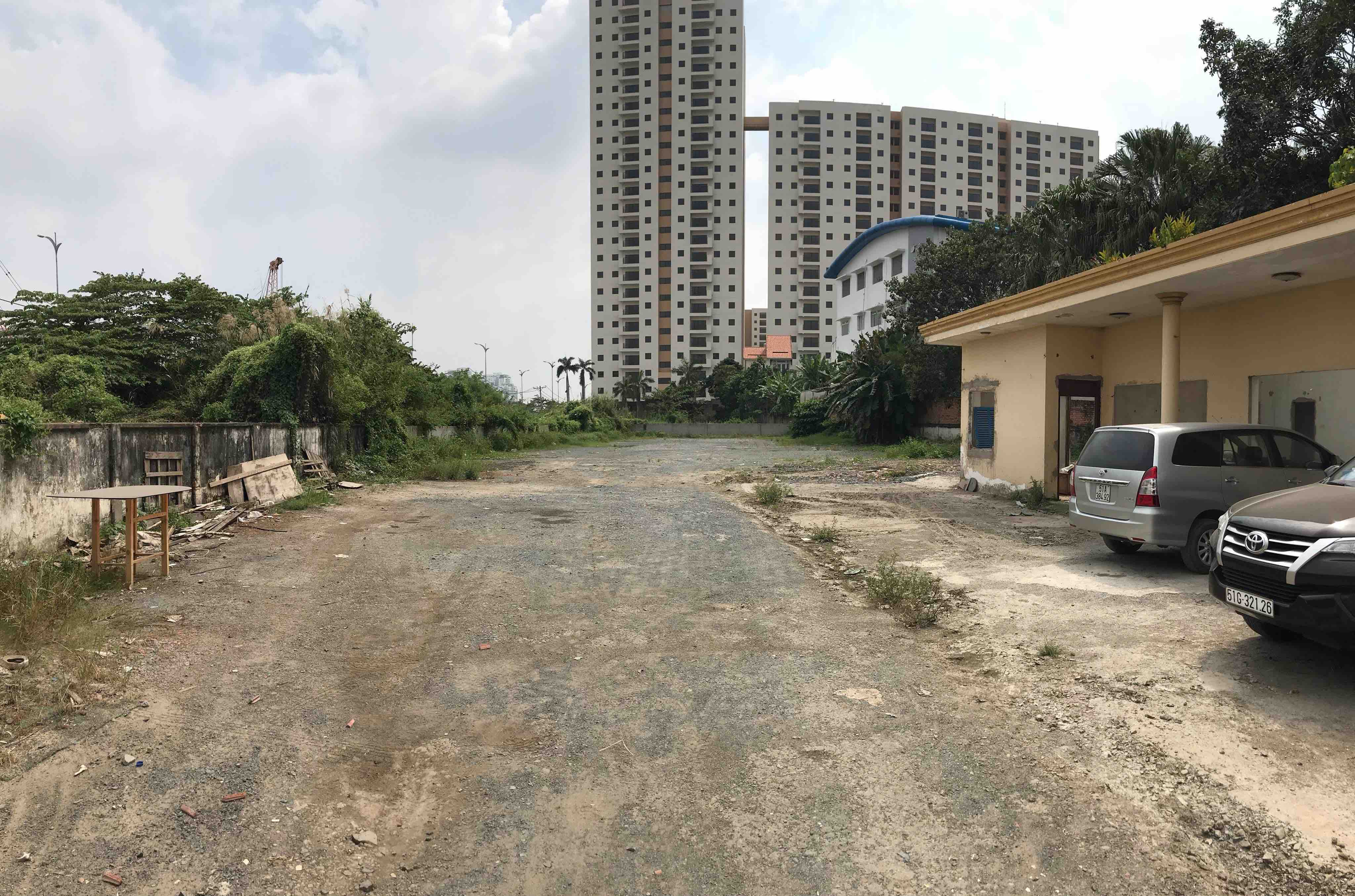 Selling land in Luong Dinh Cua street, Binh Khanh ward, District 2.