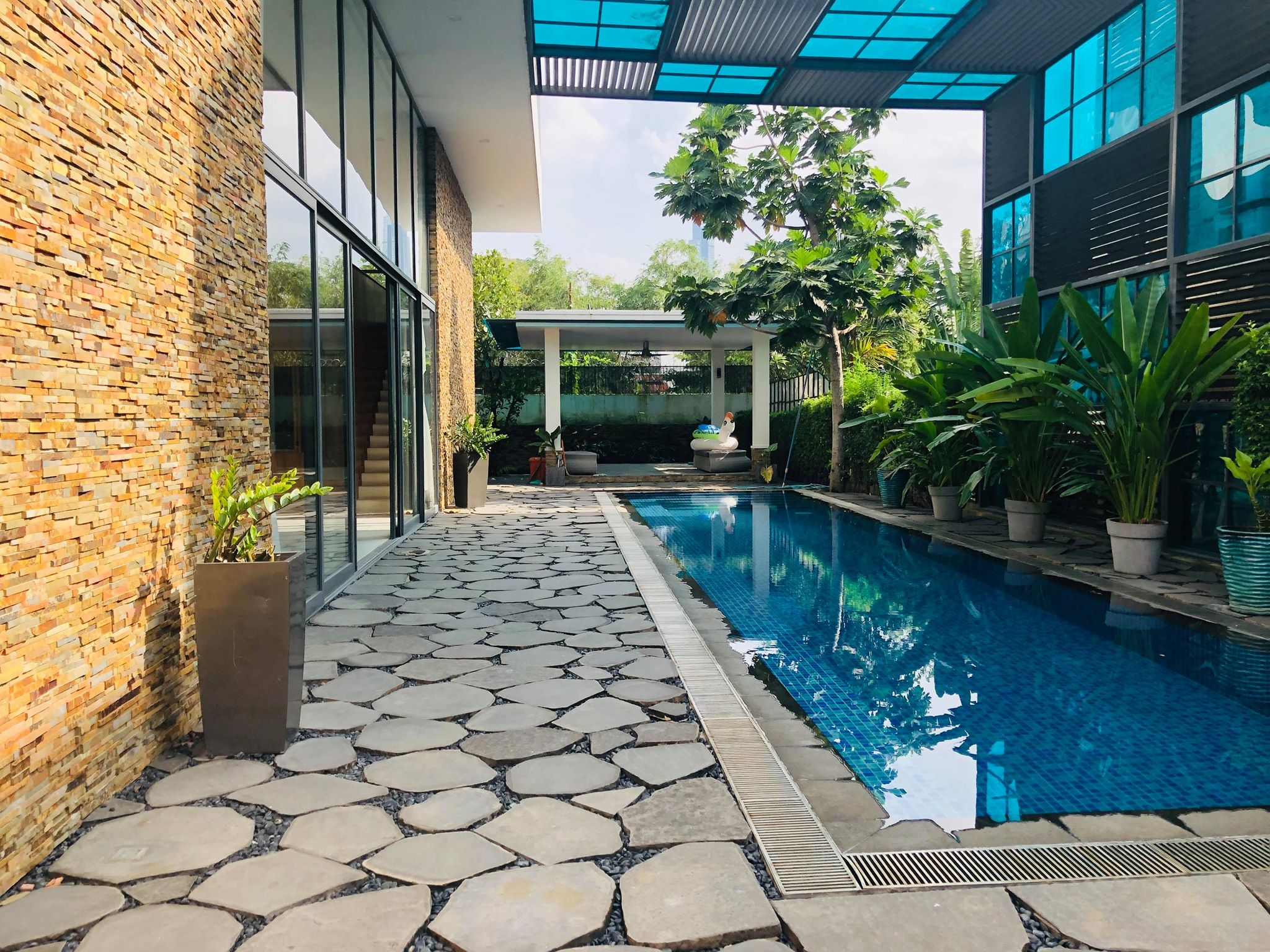 Luxury Villa Thao Dien compound for rent in Thao Dien.