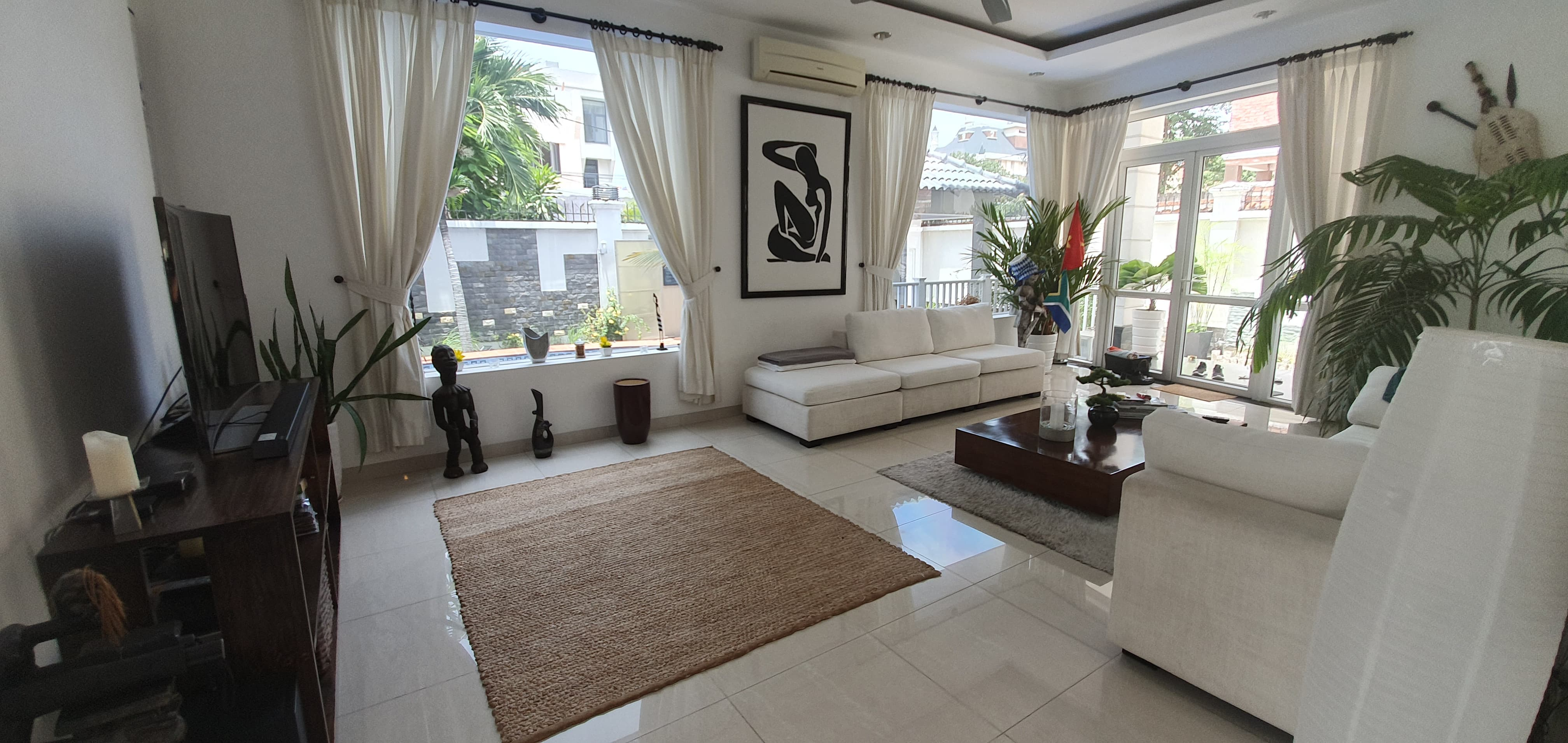 Beautiful Villa Thao Dien for rent in Thao Dien.